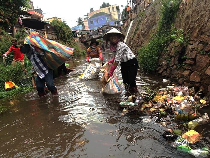 hình ảnh dọn rẹp rác thải bảo vệ môi trường